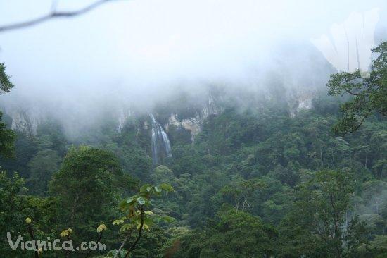 Adventure in Peñas Blancas and Biosphere Reserve of