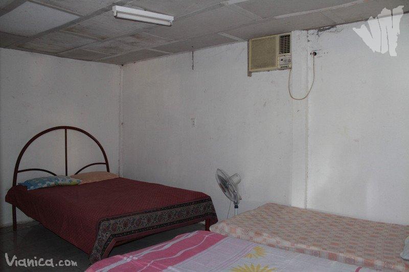 Habitaci n triple a a caba a los pozo nicaragua for Cama unipersonal