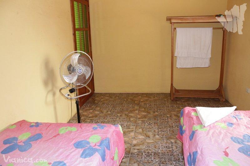 Habitaci n sencilla finca esperanza nicaragua for Cama unipersonal
